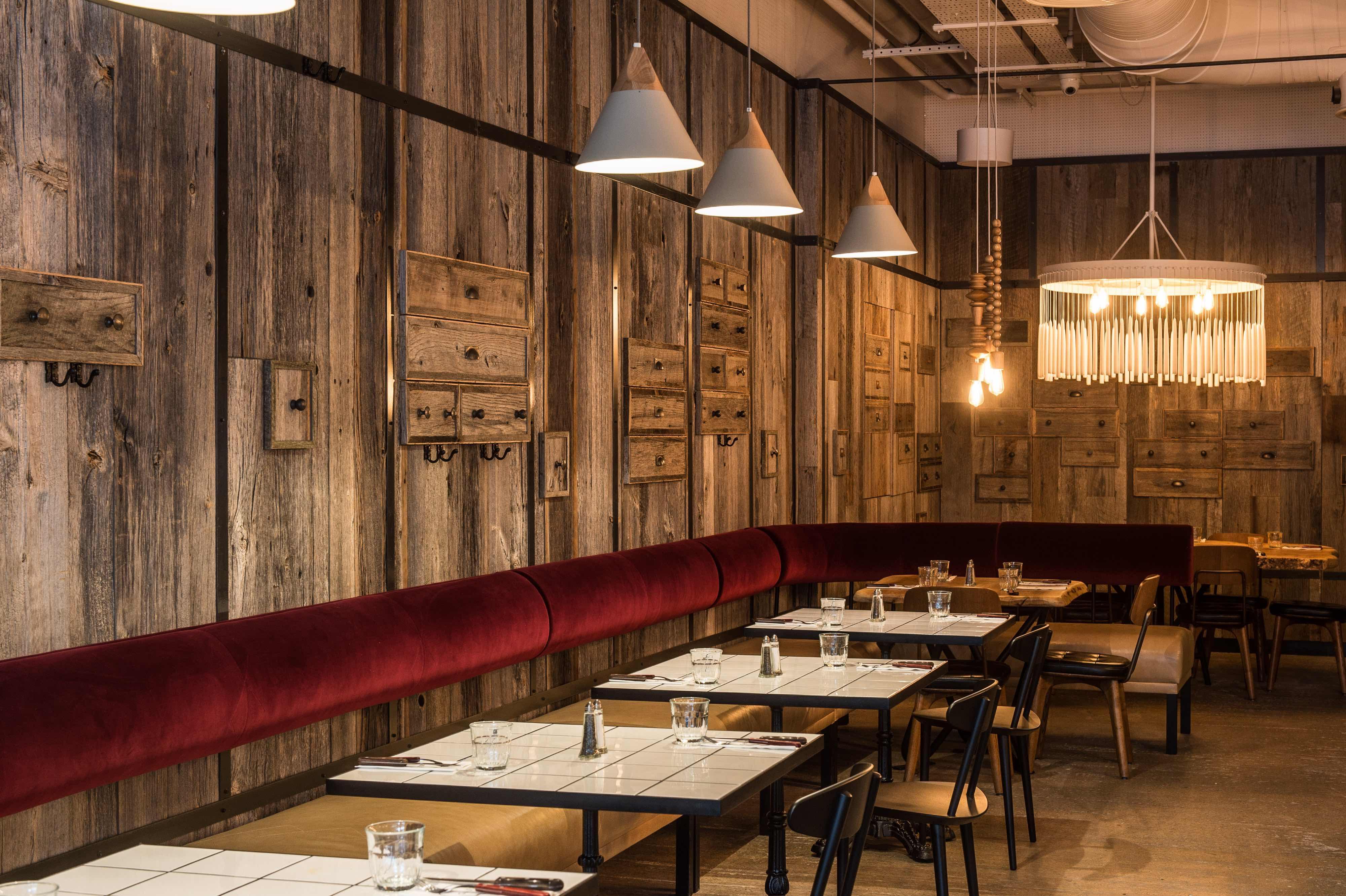 OAKS_restaurant_1